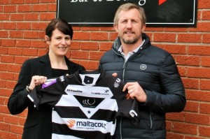 Picture of Viv with Denis Betts announcing the partnership